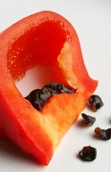 Rocoto Slice showing black seeds